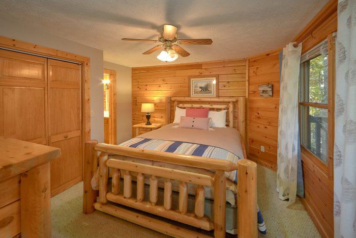 3rd Bedroom in Gatlinburg - Gray Fox Den