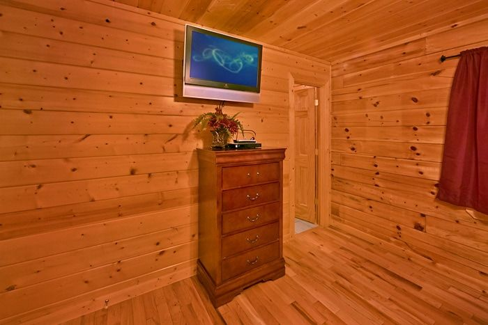 Cabin with 8 bedrooms and 10 tvs - Great Aspirations