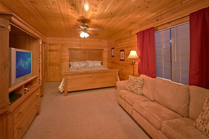 Cabin with 2 King Suites with private baths - Great Aspirations
