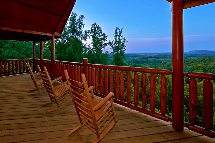 Cabin with mountain views and 2 hot tubs - Great Aspirations