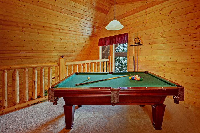 Cabin with Pool Table - Great Escape