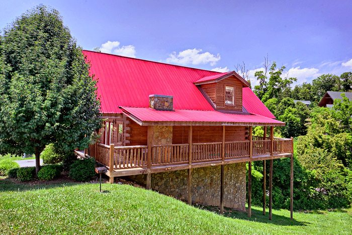 Cabin with Wrap Around Deck - Great Escape