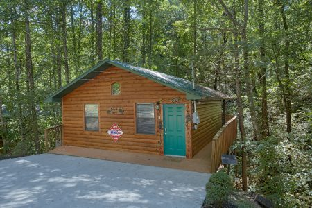 Gatlinburg Creekside Haven: 2 Bedroom Gatlinburg Cabin Rental