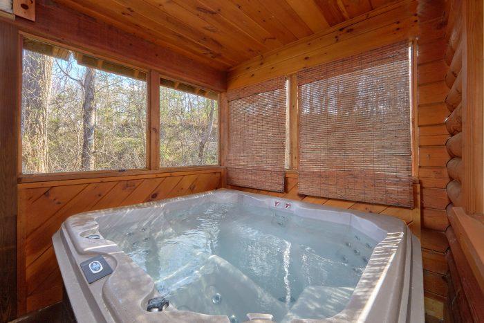 Private Hot Tub - Growly Bear