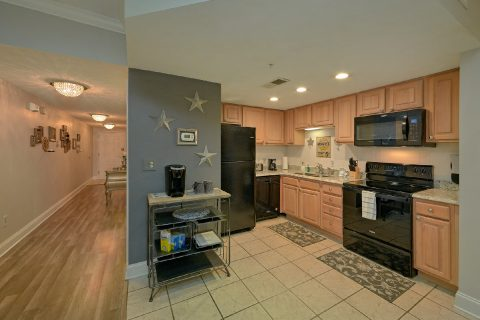 Pigeon Forge 1 Bedroom Condo with Full Kitchen - Hailey's Comet