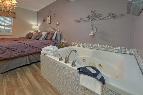Private Jacuzzi Tub in 1 Bedroom Condo - Hailey's Comet