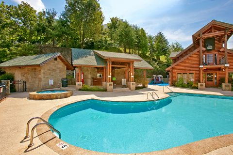 Golf View Resort Swimming Pool and Hot Tub - Hailey's Comet