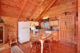 Honey Moon Cabin in Gatlinburg with Kitchen