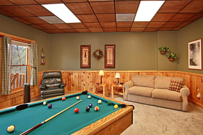 Honey Moon Cabin with Pool Table in Gatlinburg - Hanky Panky