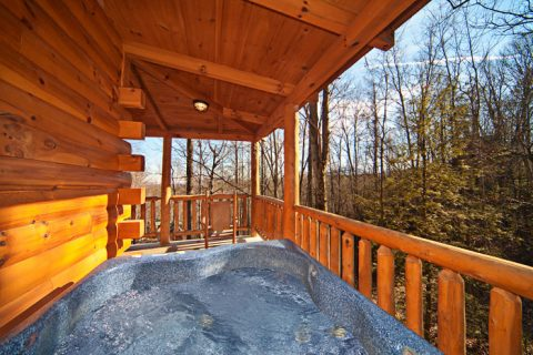 Private Hot Tub at Gatlinburg Honey Moon Cabin - Happily Ever After