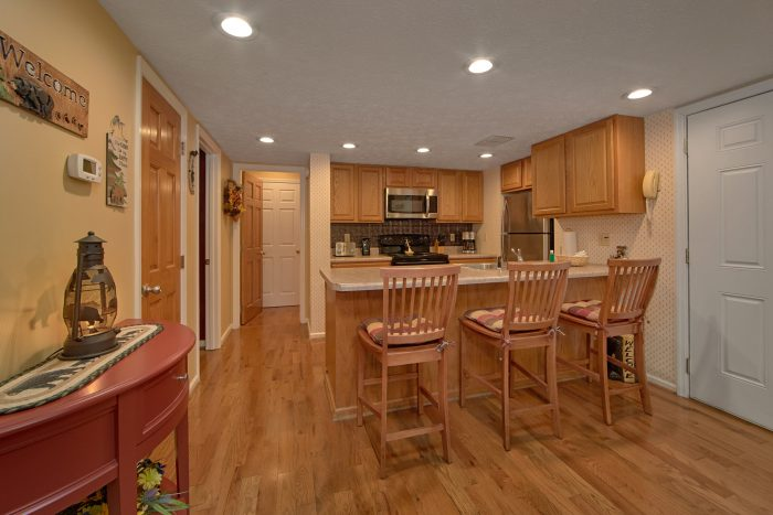 4 Bedroom Cabin with Fully Stocked Kitchen - Happy Trails
