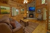 1 Bedroom Honeymoon Cabin with Wooded Views