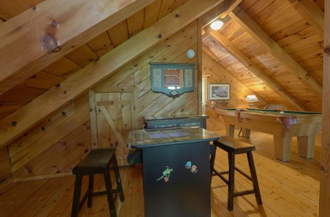 1 Bedroom Cabin with Arcade Game - Have I Told You Lately
