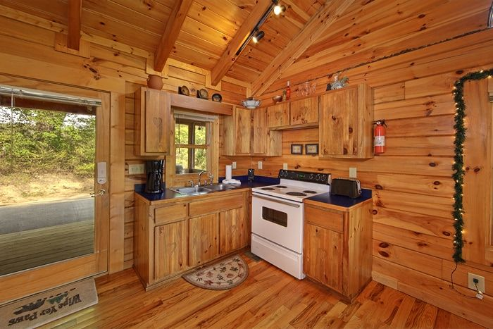 Premium 1 Bedroom Cabin with Furnished Kitchen - Heart to Heart