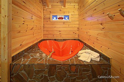 Honey Moon Cabin with a Heart Shaped Jacuzzi - Heart to Heart