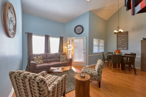 Spacious living room in Gatlinburg Condo - Hearthstone