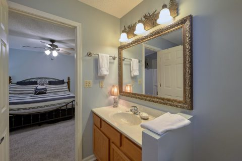Private bathroom with Master Bedroom in condo - Hearthstone