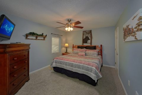 Gatlinburg Condo with 2 King Bedrooms - Hearthstone