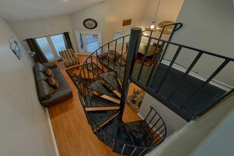 Luxurious 3 story Gatlinburg Condo with View - Hearthstone