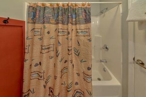 Gatlinburg Condo with 3 full Bathrooms - Hearthstone