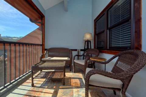 Luxury Gatlinburg condo with screened in porch - Hearthstone