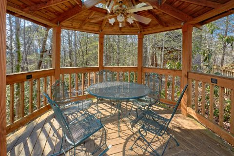 Spacious 5 Bedroom Gatlinburg Cabin with Gazebo - Hearts Desire