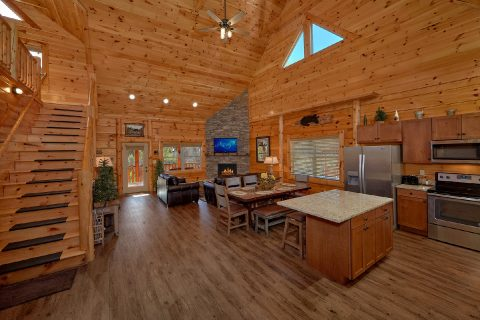 Bear Creek Crossing 4 Bedroom 5 Bath Cabin - Heavenly Hideaway