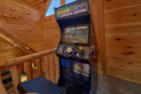 Arcade Game Pool Table Game Room - Heavenly Hideaway