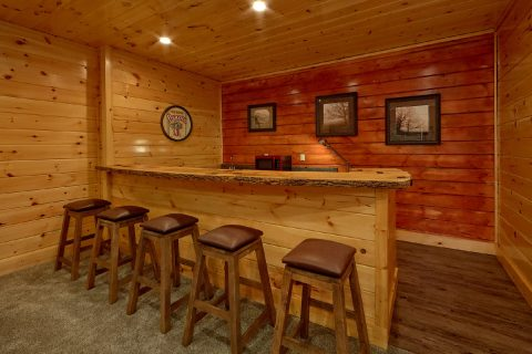 Wet Bar Theater Room and Game Room - Heavenly Hideaway