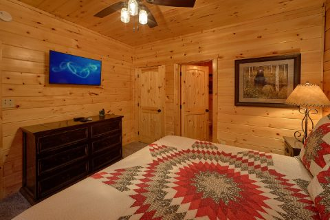 TVs in Every Room Luxurious 4 Bedroom Cabin Slee - Heavenly Hideaway