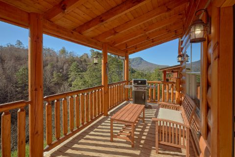 Comfortable Outdoor Seating 4 Bedroom Cabin - Heavenly Hideaway