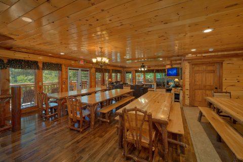 12 Bedroom Cabi Sleeps 54 in Wild Briar Resort - Heavenly Retreat Lodge