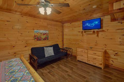 12 bedroom 16 Bath Cabin Sleeps 54 - Heavenly Retreat Lodge