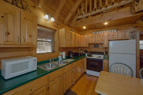 Spacious 2 Bedroom 2 Bath Cabin Sleeps 6 - Heavenly-RAE