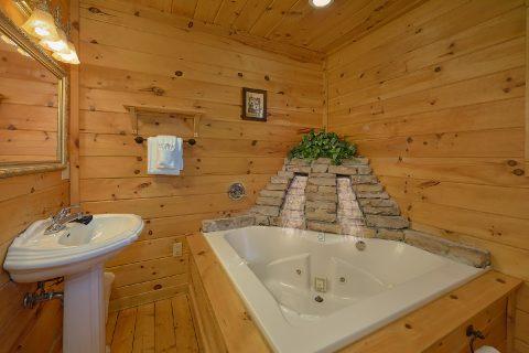 Jacuzzi Tub 2 Bedroom 2 Bath Cabin - Heavenly-RAE