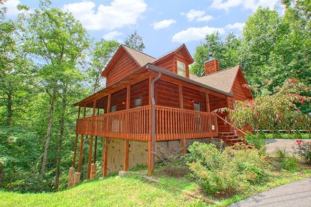 Bear-rif-ic: 2 Bedroom Sevierville Cabin Rental