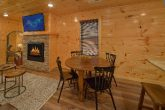 Luxurious 2 bedroom cabin with dining room for 4