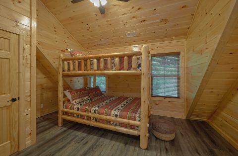 5 Bedroom Cabin with Bunk Beds Kids Room - Hibernation Station