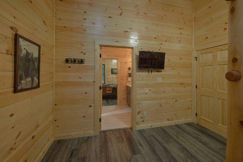 Alpine Village 5 Bedroom Cabin Sleeps 18 - Hibernation Station