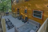 Private Hot Tub 5 Bedroom Cabin Sleeps 18