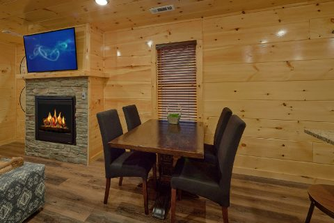 2 bedroom cabin with Dining for 6 guests - Hickory Splash