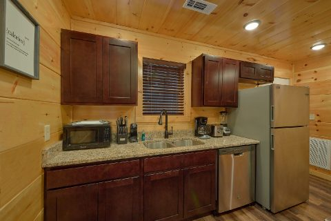 Fully furnished kitchen in 2 bedroom cabin - Hickory Splash