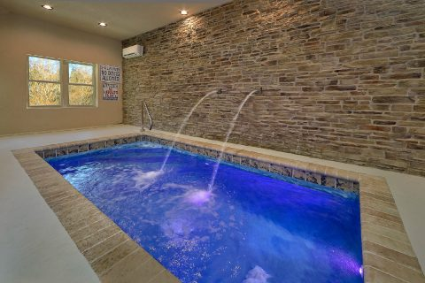 Private, Heated pool in 2 bedroom luxury cabin - Hickory Splash