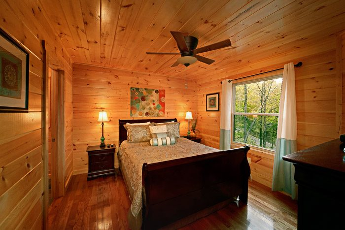 King Bedroom in Cabin with Indoor Pool - Hickory Splash