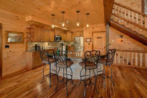 Beautiful Spacious Kitchen 4 Bedroom Cabin - Hideaway Dreams