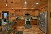 Luxurious Kitchen 4 Bedroom Cabin Sleeps 12