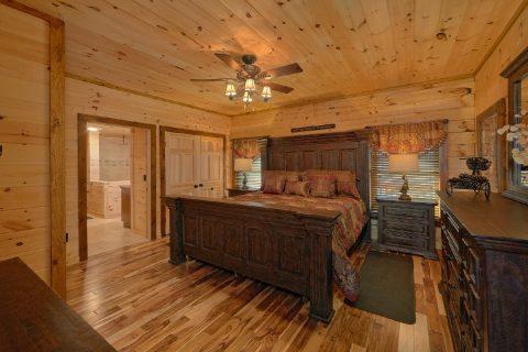 Luxurious Main Floor Master Bedroom - Hideaway Dreams