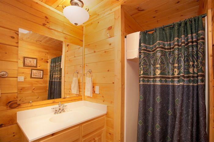 1 Bedroom 1 Bath Pigeon Forge Cabin - Hideaway Heart