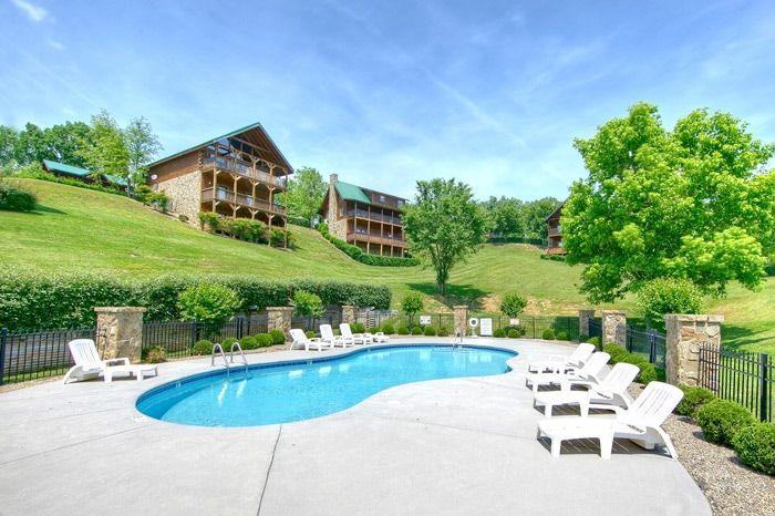 Honey Moon Cabin with Resort Pool Access - Hideaway Heart