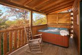 Honey Moon Cabin with a Private Hot Tub